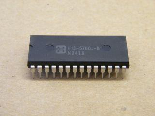 HI3-5700-5 HARRIS 8 BIT 20MSPS A/D CONVERTER