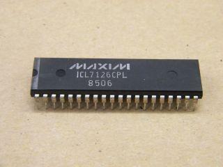 ICL7126CPL 31/2 DICIT LCD DIGITAL VOLTMETER