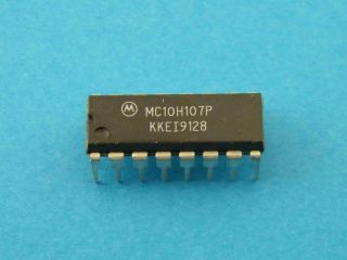 MC10H107P MOROROLA MECL TRIPLE EX- NOR GATE DIP16