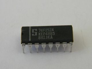 74F251 LOGIC IC SIGNETICS DIP16