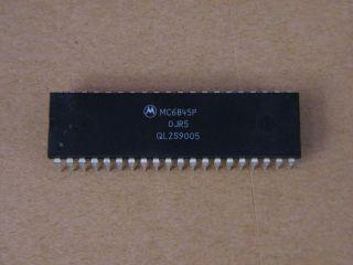 MC6845P CRT CONTROLLER MOTOROLA DIP 40