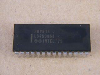 P8251A INTEL PROG. COMUNICATION INTERFACE