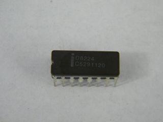 D8224 INTEL CLOCK GENERATOR CER DIP16