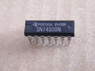 74S00  SN74S00 QUAD 2 INPUT NAND