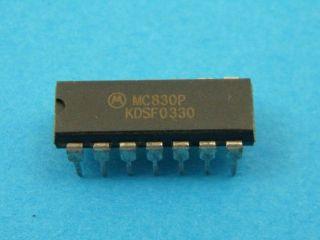 CIRCUITO INTEGRATO MC830P MOTOROLA DIL14