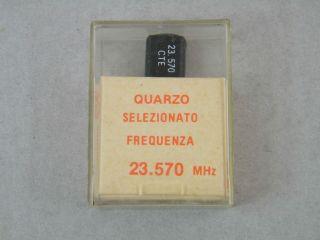 QUARZO SELEZIONATO HC49 23,570 MHZ