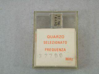 QUARZO SELEZIONATO HC49 37,700 MHZ