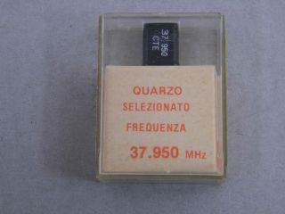 QUARZO SELEZIONATO HC49 37,950 MHZ