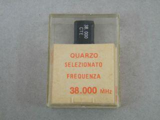 QUARZO SELEZIONATO HC49 38,000 MHZ