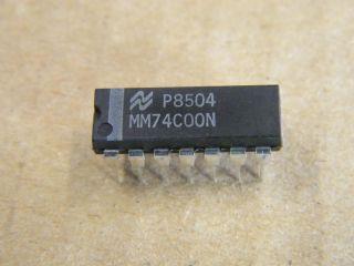 74C00 DIL 14 QUAD 2 INPUT NAND