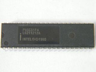 P80C51FA 8BIT MOCROCONTROLLER DIL 40 INTEL