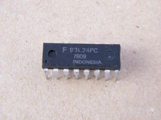 F93L24PC 93L24 FAIRCHILD QUAD 2 IN MULTLEXER CERAMIC DIP 14