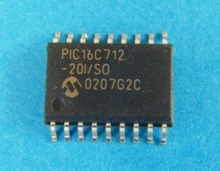 PIC16C712-20ISO 8 BIT MICROCONTROLLER  SO28