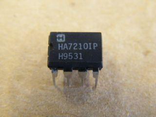 HA7210IP 10KHZ TO 10MHZ CRYSTAL OSCILLATOR
