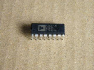 AD557JN  uP COMPATIBLE 8 BIT DAC ANALOG DEVICSE DIP16