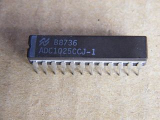 ADC1025CCJ-1 10BIT A/D CONVERTER NATIONAL CERAMIC DIP24
