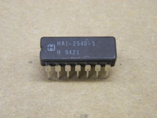 HA1-2540-5 400MHZ OPERATIONAL AMPLIFIER HARRIS CERAMIC DIP14
