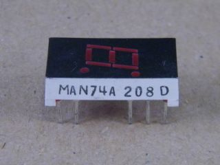 MAN74A 7.6MM  DISPLAY COMMON CATHODE  RED FAIRCHILD